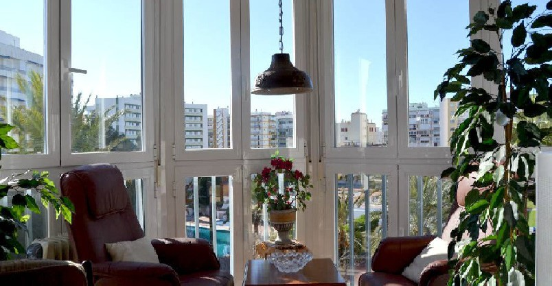1V-099-C ONE BEDROOM APARTMENT WITH BEAUTIFUL VIEWS !!